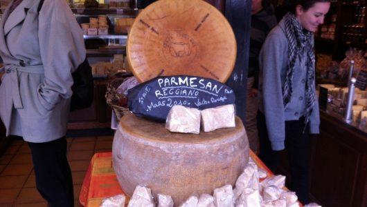 Parigi: mercatino di prodotti tipici di qualità